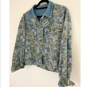 Jackets & Blazers - Fab vintage floral denim jacket